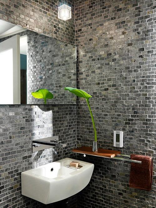 Phòng tắm dịu dàng với tường gạch (12)