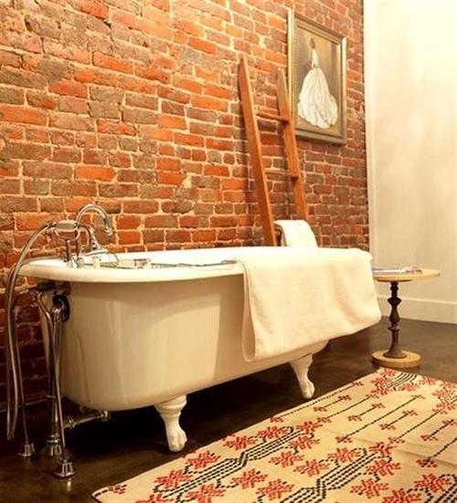 Phòng tắm dịu dàng với tường gạch (21)