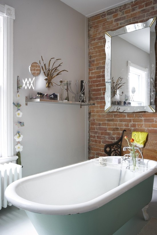Phòng tắm dịu dàng với tường gạch (27)