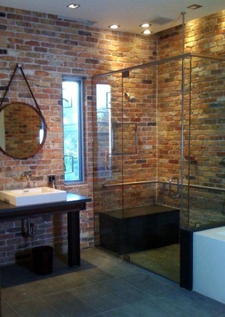 Phòng tắm dịu dàng với tường gạch (33)