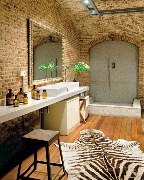 Phòng tắm dịu dàng với tường gạch (8)
