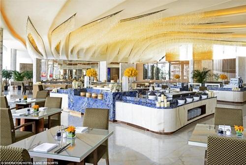 Cận cảnh siêu khách sạn hình bánh rán 4