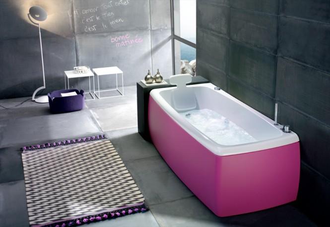 pink bathub
