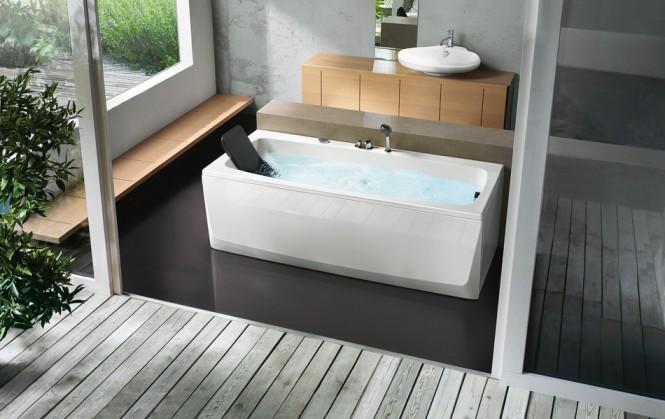 rectangular bathtub with head rest