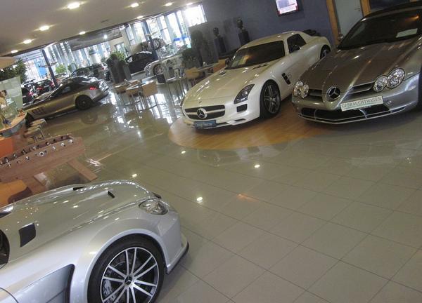 thiết kế showroom xe hơi 10