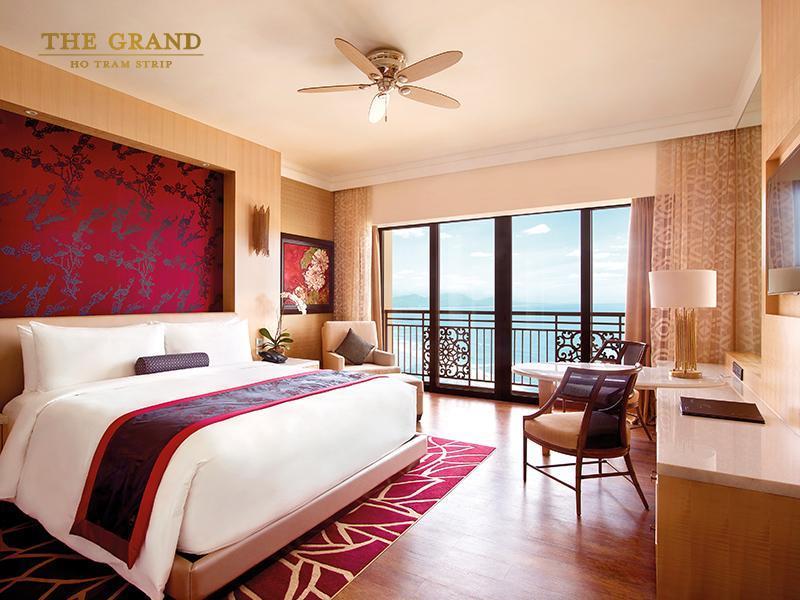 khach san the grand